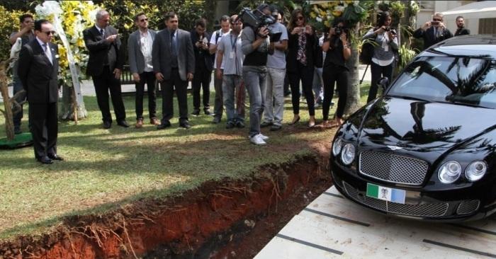 Conde Scarpa_día entierro Bentley